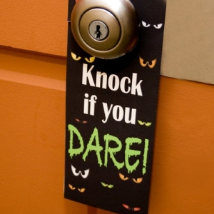 20-Great-DIY-Halloween-Decorations-13